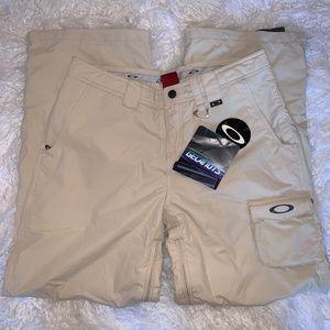 NWT Oakley Ski Pants